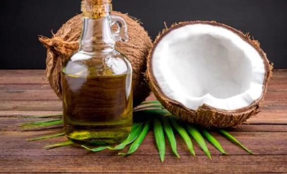 Kokosový olej , zbraň proti vypadávaniu vlasov
