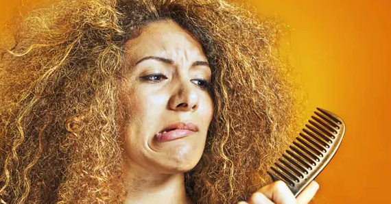 Tipy na starostlivosť o vlasy: 6 spôsobov, ako zabrániť suchým, krehkým a nezvládnuteľným vlasom v zime